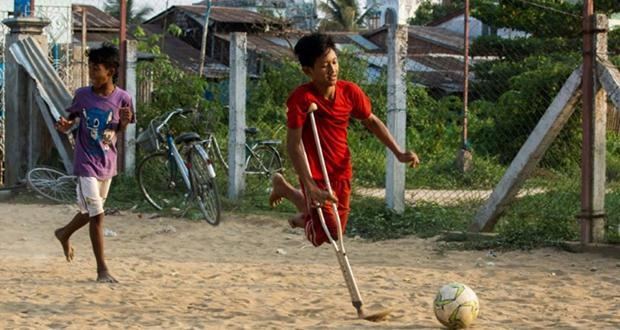 Burma, a young player not like the others...